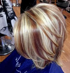 Two toned Color Hair 2247 Two toned Short Haircuts Featuring Blonde and Brown Hair Colors Red Balayage Hair, Red Ombre Hair, Short Hair Cuts, Short Hair Styles, Hair Color Highlights, Chunky Blonde Highlights, Haircut And Color, Winter Hairstyles, Cool Hair Color