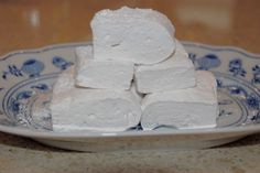 HOME-MADE Marshmello's ...YUM!! Easy step-by-step instructions at Royalnonsense.com.