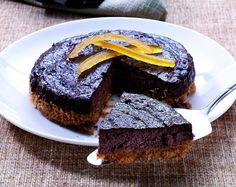 La ricetta della cheesecake allo yogurt greco con cioccolato e arancia nella deliziosa interpretazione di Monica Bianchessi, tra gli chef più amati del canale ALICE. http://www.alice.tv/ricette-cucina/cioccolato/cheesecake-cioccolato-arancia