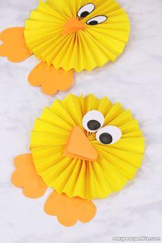 Paper Rosette Chick - Easy Easter Paper Craft - Easy Peasy and Fun - Ange . - Paper Rosette Chick – Easy Easter Paper Craft – Easy Peasy and Fun – Angela Kadow Estás en el - Bunny Crafts, Easter Crafts For Kids, Cute Crafts, Toddler Crafts, Preschool Crafts, Crafts To Sell, Diy For Kids, Diy And Crafts, Paper Crafts