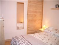 Sunny, south-facing self-catering chalet apartment in Monetier les Bains, with views of the pistes. Double Bedroom, Mattress, Photos, Furniture, Home Decor, Green Houses, Couple Room, Pictures, Decoration Home