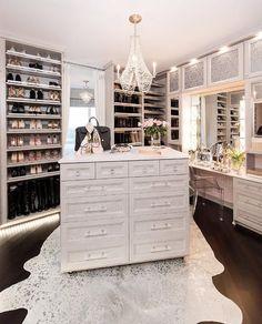 37 + Unanswered Concerns About Glam Room Closet Vanity Ideas 56 Walk In Closet Design, Bedroom Closet Design, Closet Designs, Closet Rooms, Sala Glam, Closet Island, Closet Vanity, Closet Mirror, Vanity Room
