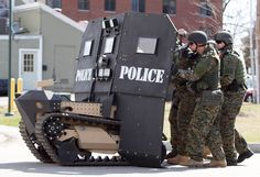 'War on Cops' Notion Turned On Its Head After Data Shows Attacks on Police are at Historic Low Military Gear, Military Police, Military Weapons, Military Equipment, Military Vehicles, Police Vehicles, Tactical Equipment, Military Style, Swat Police
