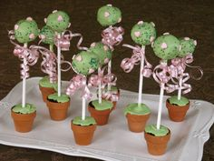 Cake pop topiary trees for Valentine's Day #recipe #food #cakeballs