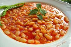 Kuru Fasulye Tarifi ( it was pretty close but I'm still not sure what was off) Baked Bean Recipes, Meat Recipes, Cooking Recipes, Dry Beans Recipe, Turkish Recipes, Ethnic Recipes, Cooking Dried Beans, Iftar, Baked Beans