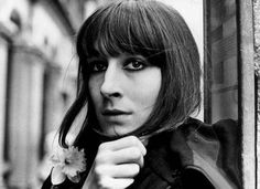 a very youthful, very beautiful anjelica huston: don't think i've ever seen a movie that she didn't completely shine in. she is wonderful