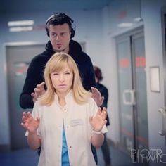 #katarzynabujakiewicz i reżyser Marcin Wrona czarują :))) #lekarze #lekarzetvn #tvn foto #piotrlitwic Tv Series, Bright, Instagram