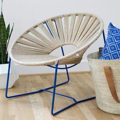 Londres Chair – Blue & Natural Nature finesse au RDV pour ce modèle incontournable de la décoration d'intérieur