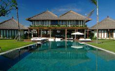 Shalimar Villa | 6 bedrooms | 4 bedrooms | 2 bedrooms | www.baliultimatev... #bali #sesehbeach #beachfront #eventvilla #ricefieldview