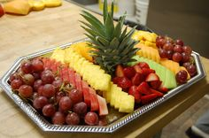 Fruit platter for party Fruit Tables, Fruit Buffet, Fruit Dishes, Party Platters, Food Platters, Fruit And Veg, Fruits And Veggies, Fruit Decorations, Fruit Salad Decoration