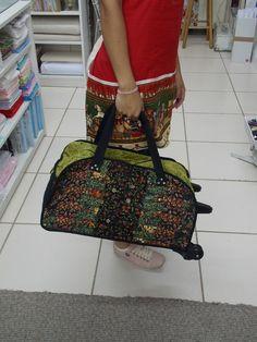 Venha para a Ana Arteira e aproveite para fazer estas lindas bolsas. São práticas, versáteis e fazem sucesso por onde passam.             ...