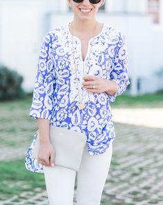 Blue and White Tunic Fashion Outfits, Womens Fashion, Fashion Edgy, Fashion Fall, Fashion 2017, Fashion Rings, White Tunic, Edgy Style, Casual Fall Outfits