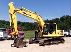Excavadora komatsu  210 Vendemos,Compramos,importamos Cel 3142958509