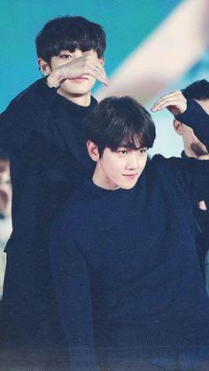 Chanyeol 찬열 and Baekhyun 백현 // ChanBaek Exo Chanbaek, Kim Minseok, Baekhyun Chanyeol, Exo Ot12, Exo K, Park Chanyeol, Kpop Exo, Got7, Exo Couple