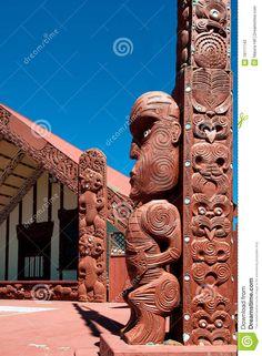 A Tekoteko is a Maori Statue, outside the Ohinemutu Wharenui, which is a Meeting House ~ Rotorua, New Zealand australia Maori Tattoos, Maori Face Tattoo, Haka New Zealand, Maori Tribe, Maori Patterns, Maori People, Sunflower Tattoo Small, Maori Tattoo Designs, Maori Art