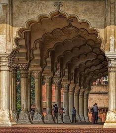 Das Red Fort in Neu Delhi, Indien - Die schönsten Monumente in Indie Mughal Architecture, Temple Architecture, Ancient Architecture, Amazing Architecture, Monument In India, Taj Mahal, Temple India, Agra Fort, India Travel