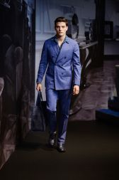 Tod's collection featured many shades of blue, but the highlights of the collection were the fine tailoring and double-breasted jackets.  See the 25 best menswear looks at Milan Fashion Week Spring Summer 2015:  http://attireclub.org/2014/06/30/milan-fashion-week-spring-summer-2015/  #fashion #style #menswear #MIFW #elegance runway #runwayphotos #milan #fashionweek