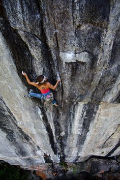 Kate Lambert on Final Cut in Yosemite. Photo by Ben Ditto.