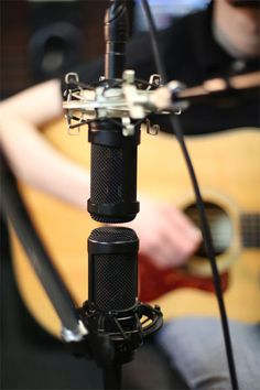10 Mic Placements For Acoustic Guitar