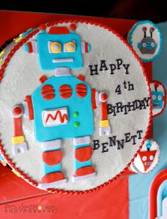Robots and rockets party: Bennett is 4! | Chickabug