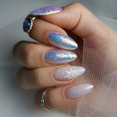 Looking for the Best Christmas Nail Art of the year? We have 25 of the Best Christmas Nail Art of Cute Christmas Nails, Xmas Nails, New Year's Nails, Christmas Nail Designs, Holiday Nails, Fun Nails, Pretty Nails, Hair And Nails, New Years Nail Designs