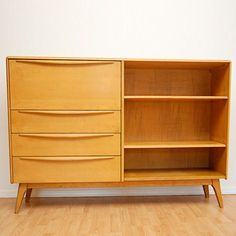Heywood Wakefield (Encore style) -- interesting piece. meant for the living rm? bedroom?