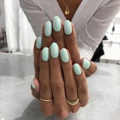 25 Trending Light Nails Color for Fall Winter Decorating your nails is very easy… - Nageldesign Mint Nails, Pastel Nails, Mint Green Nails, Pink Oval Nails, Blue Shellac Nails, Oval Nail Art, Glitter Gel Nails, Yellow Nails, Light Colored Nails