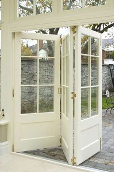 Looking for new trending french door ideas? Find 100 pictures of the very best french door ideas from top designers. Get your inspirations today! Orangerie Extension, Windows And Doors, Panel Doors, Screen Doors, Vinyl Windows, Transom Windows, Wooden Windows, Small Windows, My Dream Home