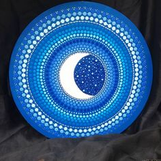 (Vendida) #moon #mandadas #yantramandalas #mandalas #mandalaart #dotilismo #mandalaartesanal #artesmanuais #kosmos #energi #cosmicart #spiritualart #zenart #mandalapassion #mandaladesign #mandalando #mandalacoloring #handmade #feitoamao #campinagrande #mandalascampinagrande #paraiba #brasil