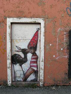 Artist: Herakut Source by syndeee Murals Street Art, Street Art Graffiti, Amazing Street Art, Amazing Art, Cool Doodles, Street Art Photography, Street Artists, Public Art, Urban Art