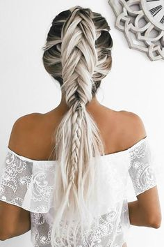Boho Inspired Creative And Unique Wedding Hairstyles ❤ See more: http://www.weddingforward.com/creative-unique-wedding-hairstyles/ #weddings