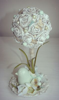 Spring topiary. Used materials: ceramic bird candlestick, lace, linen roses, artificial flowers, twine, beads and butterfly decorative elements. Height 33 cm.