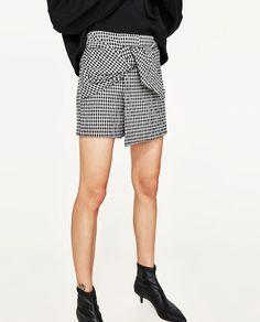 Image 2 of FINE CHECK BERMUDA SHORTS from Zara