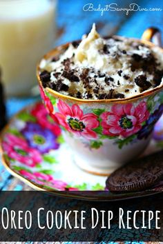 THE MOST AMAZING DIP EVER - If you like oreos this is the dip for you. Kids can make it. Done in under 10 minutes. Oreo Cookie Dip Recipe #oreo #dessert #dip #easydip #easydessert #cookiedip #cookie #easyrecipe #budgetsavvydiva via budgetsavvydiva.com Dip Recipes, Dessert Recipes, Cooking Recipes, Dessert Dips, Easy Desserts, Delicious Desserts, Yummy Food, Starbucks, Cupcakes