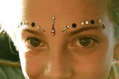 Stunning Forehead Bindi. www.onlybindis.com