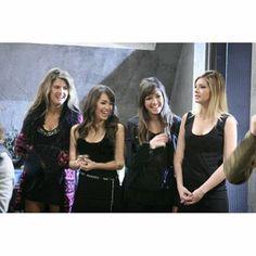 Series Movies, Teen, Friends, People, Fashion, Angels, Brunettes, Scene, Friendship