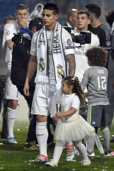 James Real Madrid Football Club, Real Madrid Players, Football Love, Best Football Team, James Rodriguez, Cristiano Ronaldo Cr7, Neymar, Equipe Real Madrid, Gareth Bale