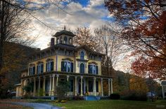 Italianate Historic House by docjfw, via Flickr