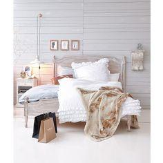 Romantische weiße Bettwäsche von Maravilla.  #living #impressionen