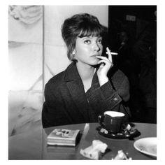 anna karina coffee and cigarettes Anna Karina, Charlotte Rampling, Twiggy, Alexa Chung, Cinema Art, Cinema Film, Tv Movie, French New Wave, Home Theater