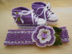 Simoni crochê: Sapatinho e faixa de cabelo em crochê