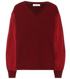 Add visual difference to your festive edit with this red sweater from Valentino. Crafted in Italy, the puffed sleeves are structured in the vain of a bomber jacket and the oversized bodice is knit from a super-soft blend of . Satin Top, Silk Satin, Valentino Garavani, Red Sweaters, Cashmere Sweaters, Streetwear, Lässigen Jeans, Leopard Jacket, Leopard Print Top