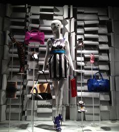 Modelo disponível em breve, na Cervus Mannequins & Dcoration
