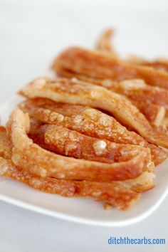 How To Make Crackling - the EASY way with NO KNIVES!!!! Crackling is cheap, it is easy and this method is the best recipe on the internet. Crackling is a great snack and can be flavoured with herbs and spices. | ditchthecarbs.com