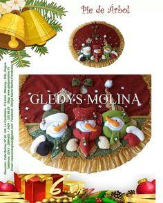 Pie de arbol Felt Christmas, Christmas Humor, Christmas Crafts, Christmas Decorations, Christmas Ornaments, Holiday Decor, Applique Patterns, Felt Ornaments, Beautiful Christmas