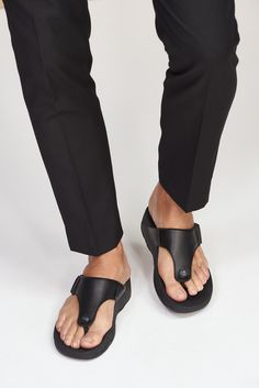 Stylish Shoes For Men, Comfortable Mens Shoes, Stylish Mens Outfits, Casual Shoes, Men Casual, Male Fashion Trends, Men Fashion, Suit Shoes, Men's Shoes