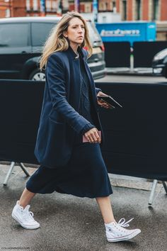 LFW-London_Fashion_Week_Fall_16-Street_Style-Collage_Vintage-Navy-