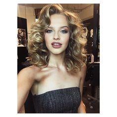 Zobacz na Instagramie zdjęcie użytkownika @karolina_pisarek • Polubienia: 29.9 tys. About Hair, Instagram Posts, Model, Tops, Fashion, Mathematical Model, Moda, Scale Model
