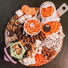 Halloween Desserts, Hallowen Food, Halloween Goodies, Halloween Food For Party, Halloween Cupcakes, Holidays Halloween, Halloween Treats, Halloween 2020, Spooky Halloween