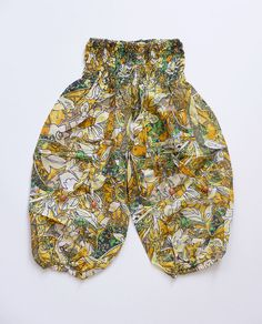 Fabulous baby Hareem pants. Stretchy waist band makes them ever so comfy and just a lot of fun to wear. For ages 18 moths to 2 years. http://naggarvalley.com/product/baby-ali-baba-style-baggy-pants-6-12-months-blue-pink-yellow-stripes-2/